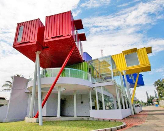 containerbuilding-ed01-537x429