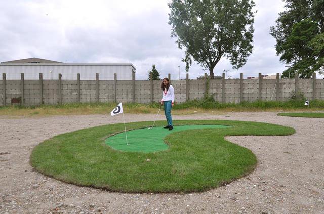Temporary-mini-golf-course-4