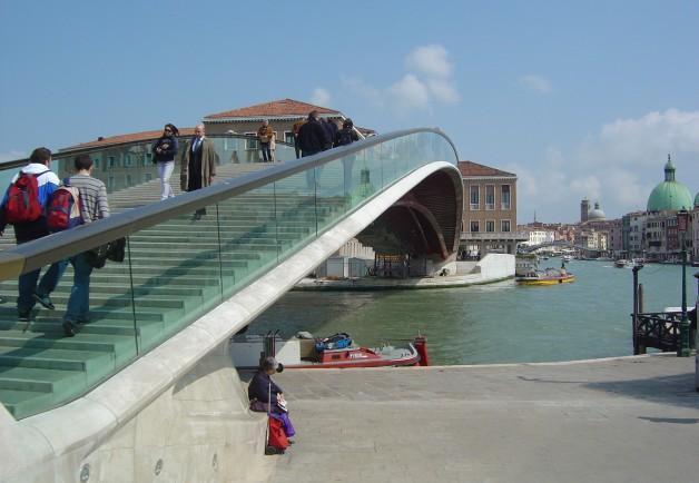 Santiago-Calatrava-_-Puente-de-la-constitución-_-Venecia-628x434