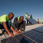 "<!--:es-->""2016, más de la mitad de la electricidad en Kenya será generada en huertos solares"" Inhabitat<!--:--><!--:en-->""More Than Half of Kenya's Electricity Will Come From Solar Power by 2016"" Inhabitat<!--:-->"