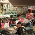<!--:es-->Equipamiento Extraordinario: punto de encuentro reciclado por Basurama<!--:--><!--:en-->Special Facility: recycled meeting point by Basurama<!--:-->