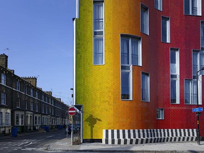 generous-gesture -social-housing-building-London-more-than-green-03