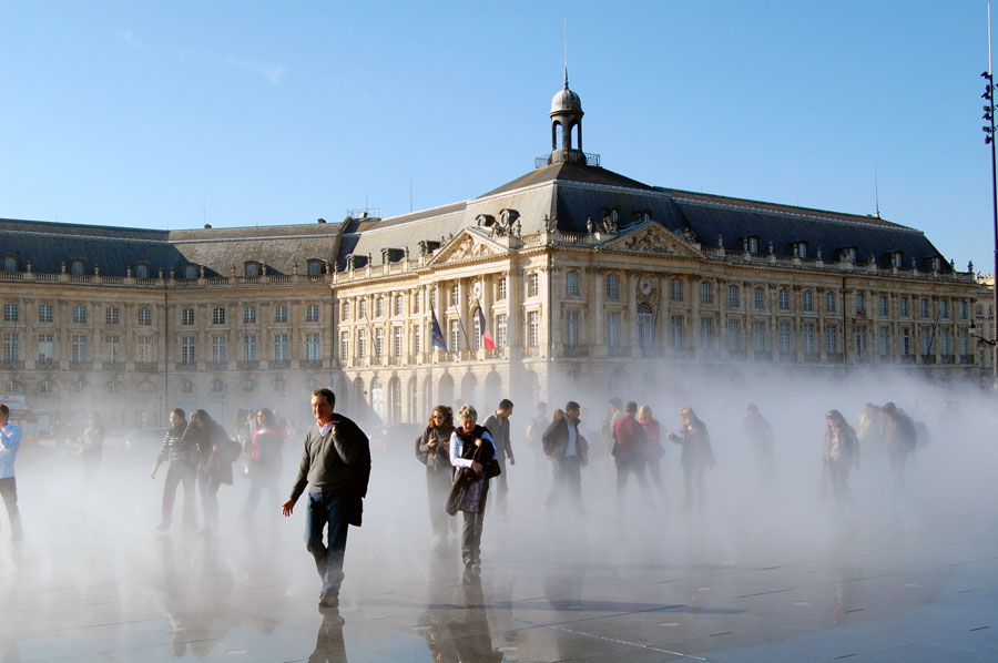 water-mirror-place-cool-off-bourdeaux-more-than-green-03