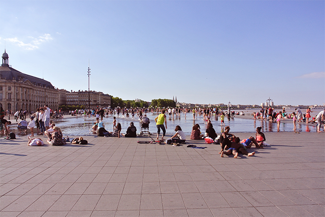 water-mirror-place-cool-off-bourdeaux-more-than-green-07