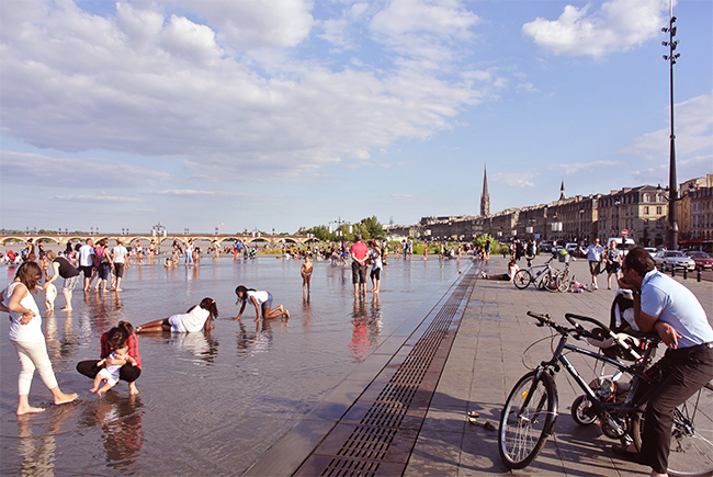 water-mirror-place-cool-off-bourdeaux-more-than-green-14