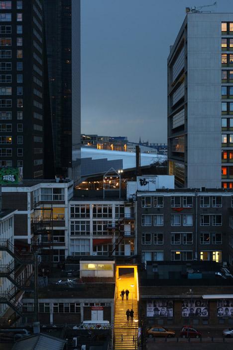 puente-peatonal-luchtsingel-urbanismo-crowdfunding-rotterdam-pedestrian-bridge-urbanism-more-than-green-morethangreen-12