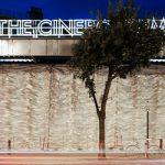 The Cineroleum, transformación de una gasolinera abandonada en un cine urbano