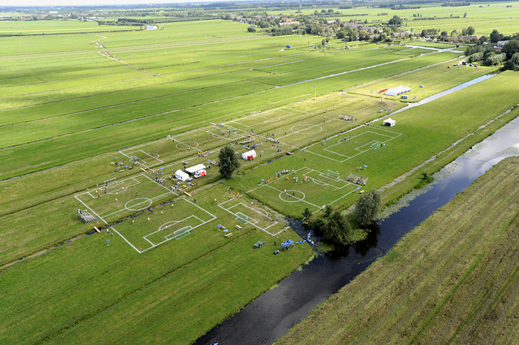 Polder-cup-football-pitches-Dutch-polders-more-than-green-01