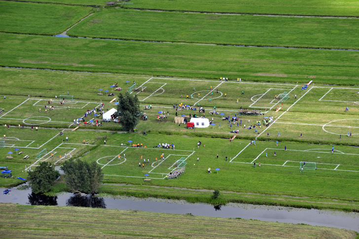 Polder-cup-football-pitches-Dutch-polders-more-than-green-02