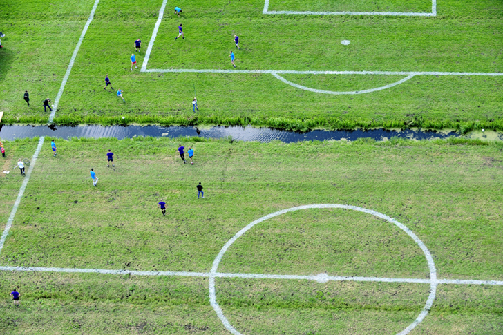 Polder-cup-football-pitches-Dutch-polders-more-than-green-03