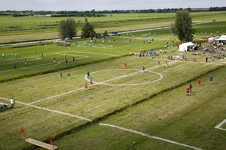 Polder-cup-football-pitches-Dutch-polders-more-than-green-04