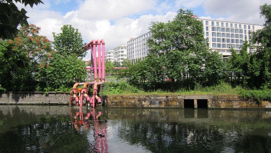 berlin-pink-pipes-more-than-green-08